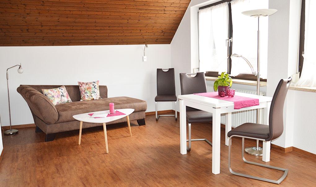 Hotel-Engel-Ferienwohnung-philipp-wohnzimmer.jpg